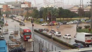 Nikos Belavilas - 17.11.2017 - photo of today,s crossing and flooding - καταιγίδα και διασταύρωση πλημμύρα